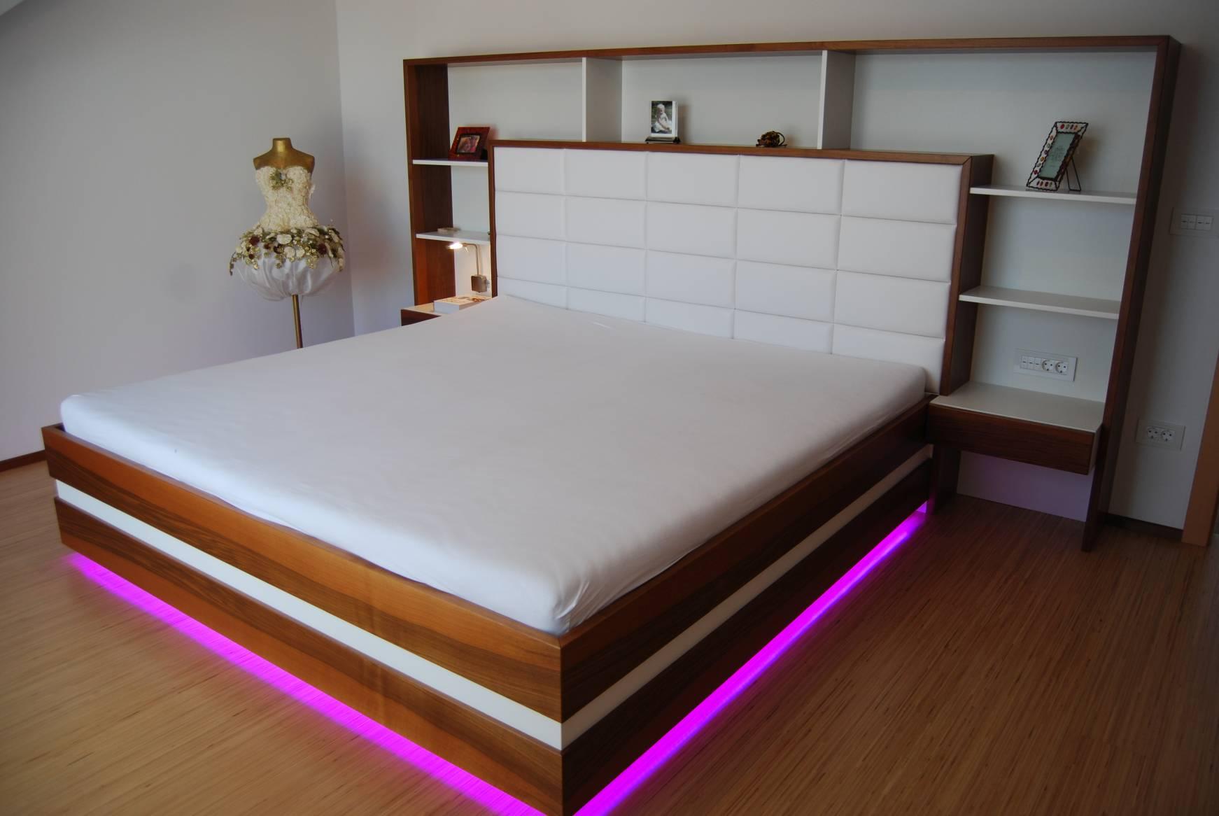 Im schlafzimmer nachttisch schlafzimmer ikea schr nke for Trockene luft im schlafzimmer